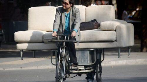 На велосипеде за диваном: какие б/у товары покупают украинцы в сети