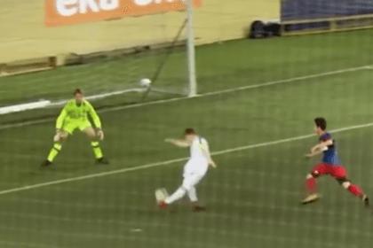 Гол 14-летнего российского футболиста покорил пользователей сети