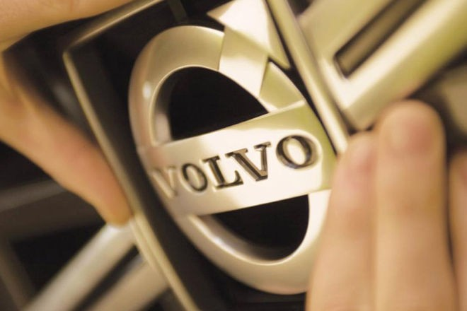 Volvo замедлит все свои машины ради безопасности