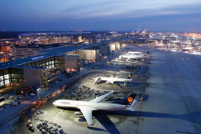 Немецкие аэропорты активно отменяют рейсы из-за компьютерного сбоя