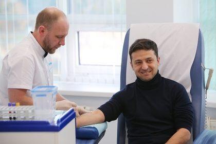 Зеленский назвал причину нежелания сдать анализы вместе с Порошенко