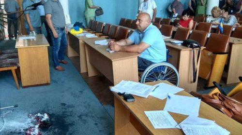 В Бердичеве предприниматель поджег себя на сессии горсовета - Видео