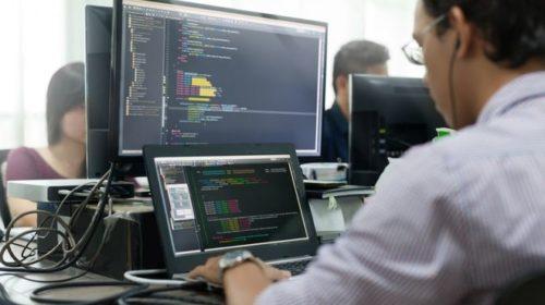 Число официально трудоустроенных IТ-специалистов в Украине оценили в 2-3%