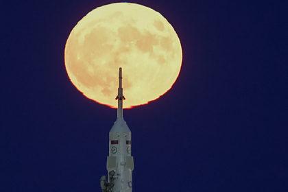 Китай раскрыл планы по исследованию Луны и Марса