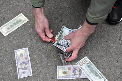 Россия нашла новый способ отказаться от доллара