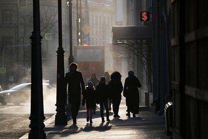 Москвичам пообещали метель и туман