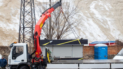 Власти Киева показали, как демонтируют нелегальные АЗС