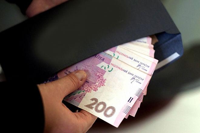 """Почти четверть украинской экономики оказалась в """"тени"""""""