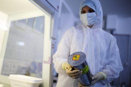Риск распространения коронавируса от эвакуированных из Китая россиян оценили