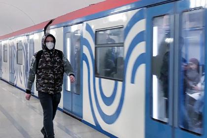 Стало известно о дефиците медицинских масок в России