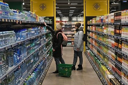 Россияне начали отказываться от походов в торговые центры