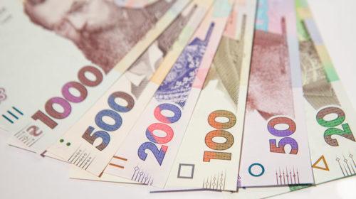 В Кабмине заявили, что в регионах уже 550 млн грн на доплаты медикам